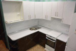 Фото угловой кухню № 8 на заказ по выгодной цене