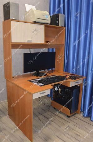 Компьютерный стол по индивидуальному заказу