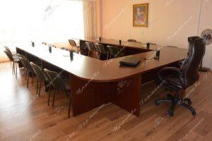 Столы в конференц-зал