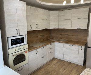 Фото угловой кухню № 8923 на заказ каталог цены